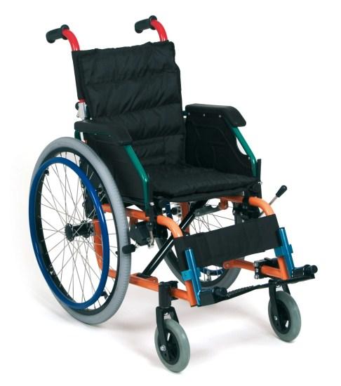 Noleggio sedia a rotelle per bambini con bracciolo ribaltabile, schienale pieghevole.