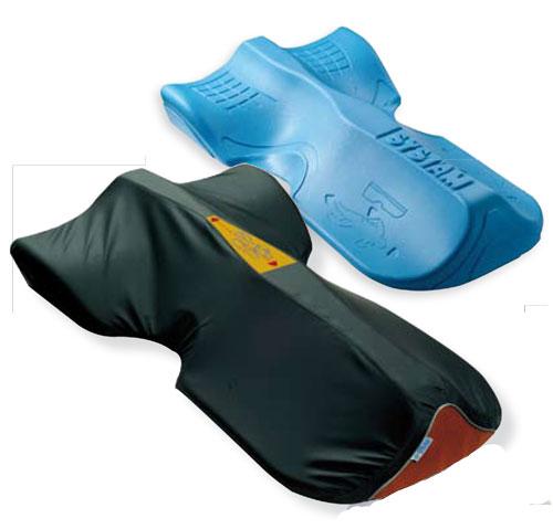Esclusivo ed innovativo posizionatore con anima stabilizzatrice in poliuretano ad alta resilienza, mantiene il decubito laterale nel tempo.