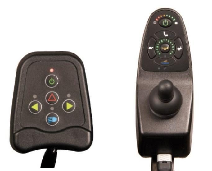 Schienale reclinabile manualmente in più posizioni. Regolazione elettrica dell'inclinazione della seduta.