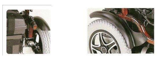Pratica, per uso interno ed esterno. Carrozzina con telaio pieghevole, realizzata in acciaio con verniciatura epossidica. Estremamente pratica, di facile smontaggio/montaggio per il trasporto in auto. Oltre alla struttura, anche lo schienale si può piegare in due, riducendo ulteriormente l'ingombro.