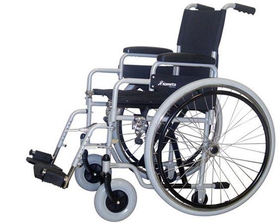 """Modello pieghevole, struttura in lega di metallo """"a doppia crociera"""" con """"ruote ad estrazione rapida"""", ruotine ascensore. Braccioli desk estraibili, pedane regolabili in altezza."""