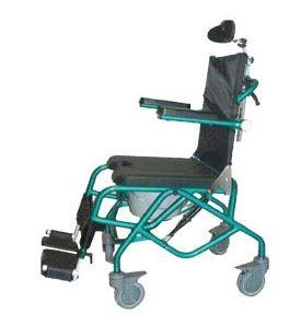Sedie comoda per anziani e disabili per doccia basculante. l'inclinazione della seduta può essere variata 5° anteriormente e 25° posteriormente