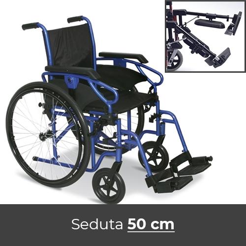 Noleggio sedia a rotelle con braccioli lunghi estraibili e pedane estraibili elevabili con reggigambe.